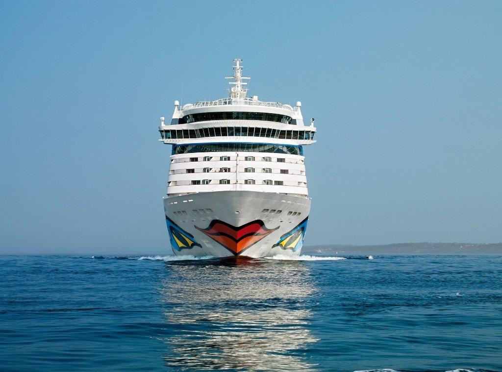 L'AIDAnova est le premier navire de croisière au monde propulsé au gaz naturel liquéfié (GNL).