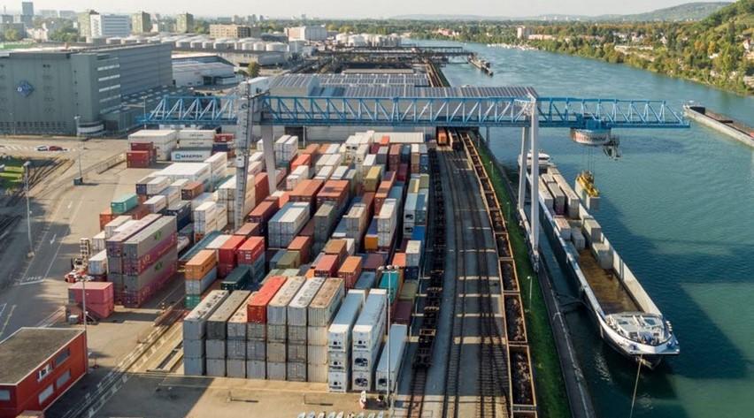 Quatre partenaires du secteur énergétique et de la logistique estiment que les ports de Muttenz et de Birsfelden sont des sites optimaux pour un hub hydrogène. Ils veulent promouvoir la production, la distribution et l'utilisation d'hydrogène.